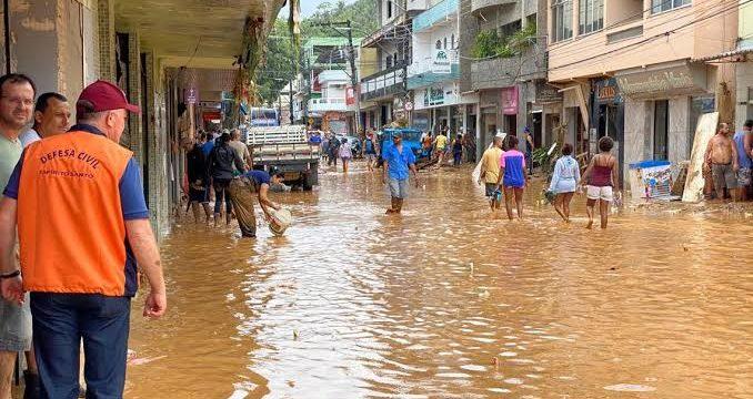 Presidente Jair Bolsonaro anuncia quase R$ 1 bilhão para regiões afetadas por fortes chuvas