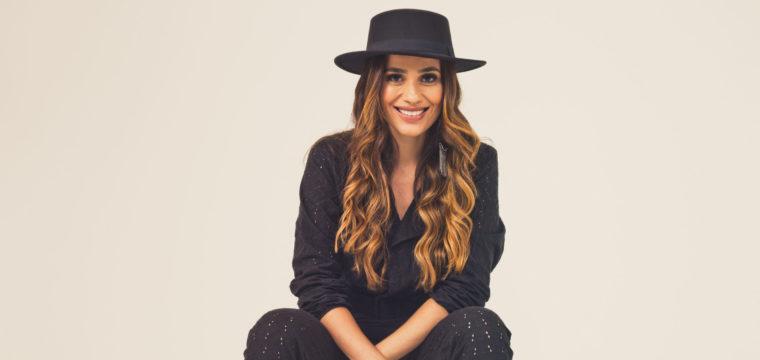 A cantora capixaba Michele Freire agita a noite desta sexta em Vitória