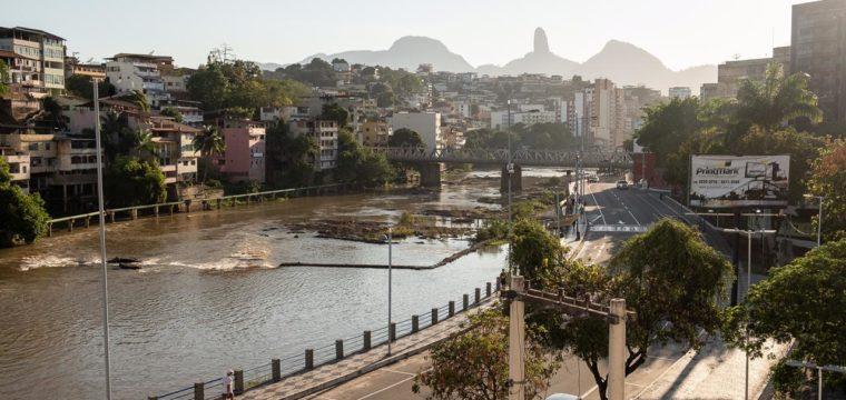 Pesquisa da BRK Ambiental aponta que no Brasil 25% das mulheres não têm acesso adequado ao saneamento básico