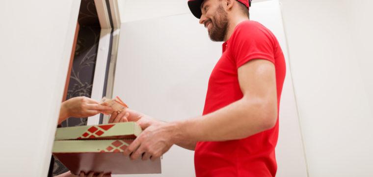 Saiba quais são as dicas para receber comida em casa com segurança