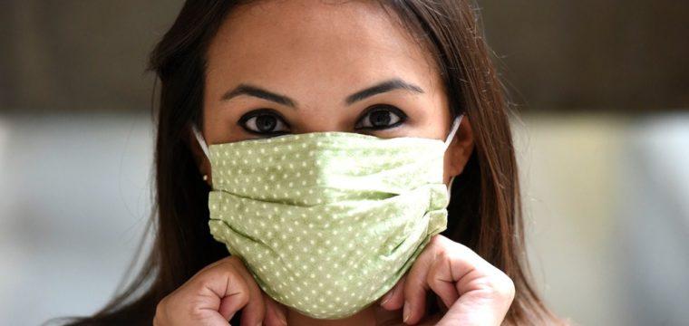 Estudo identifica combinação ideal de tecidos para máscaras caseiras