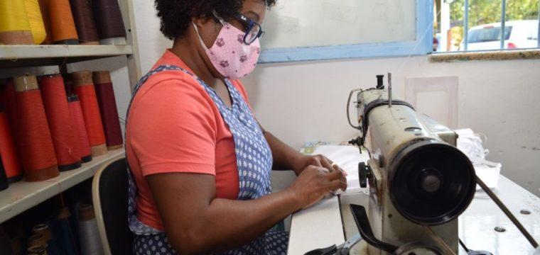 Casa de Costura continua recebendo materiais para confecção de máscaras