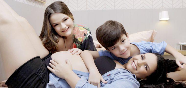 Paula com os filhos:  Marina, Thiago e Carolina