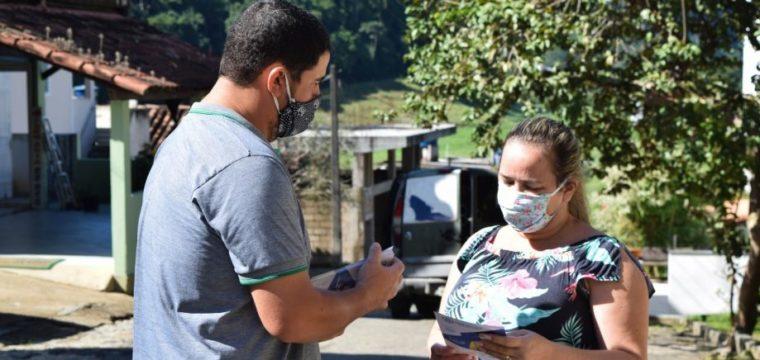 Prefeitura reforça orientações em bairros com mais casos de covid-19