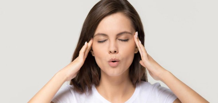 Yoga facial pode diminuir flacidez e amenizar a papada