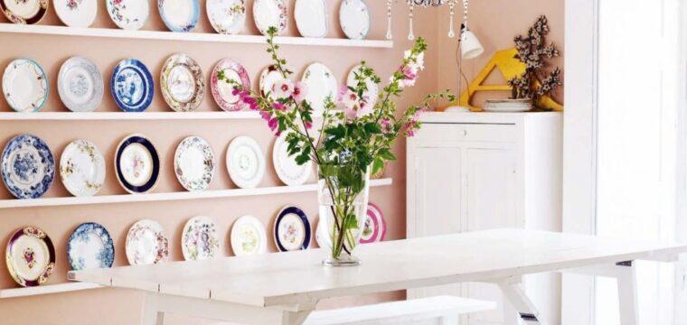 Como usar pratos na parede para decorar ambientes