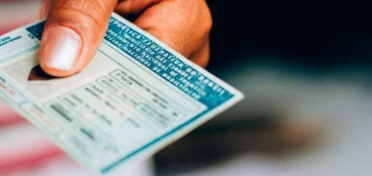 Bolsonaro sanciona lei que altera regras do Código de Trânsito