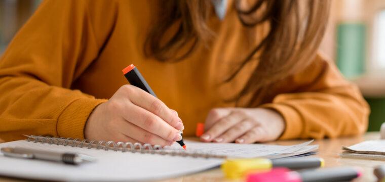 3 maneiras de estudar (e aprender) melhor, segundo pesquisas de cognição