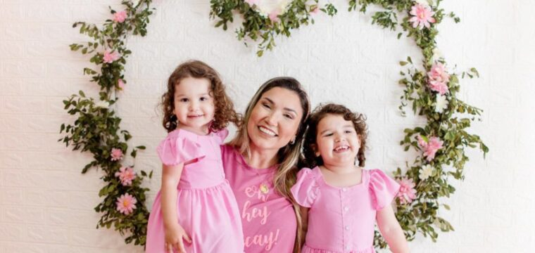 Ariane Real com as fofíssimas filhas Maria Liz e Nina