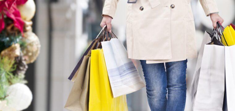 """Campanha """"Natal Feliz é Aqui"""" incentiva compras no comércio de Cachoeiro"""
