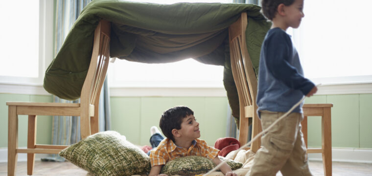 Colônia de férias em casa: veja como entreter as crianças sem gastar muito