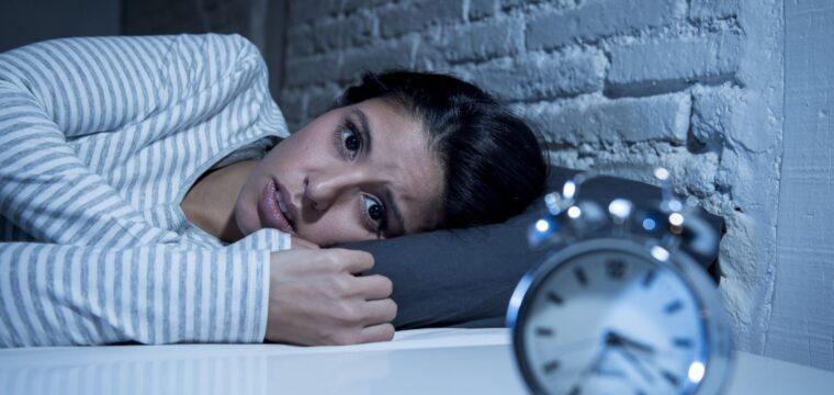 Tudo que você precisa saber para ter uma boa noite de sono durante a pandemia