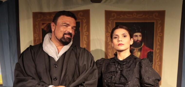 Corrupção é tema central em nova comédia de Abel Santana