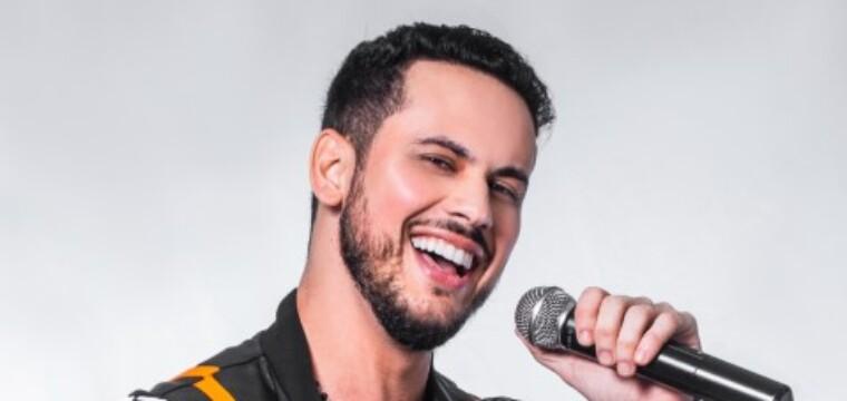 Cantor Álvaro Nobre acaba de lançar mais um novo hit