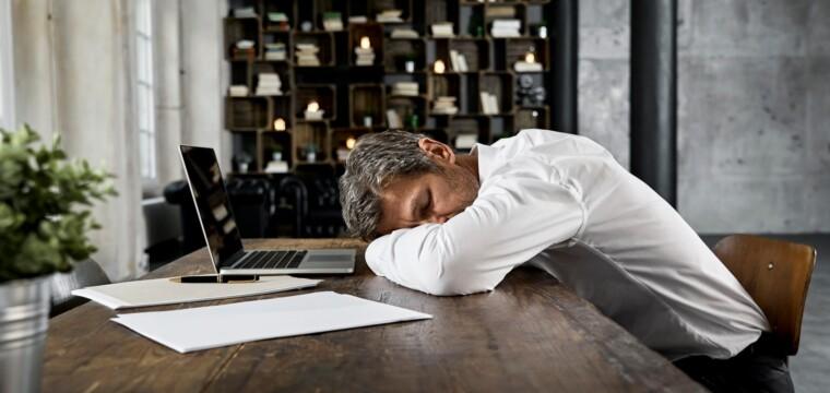 Como evitar que o home office atrapalhe o seu sono
