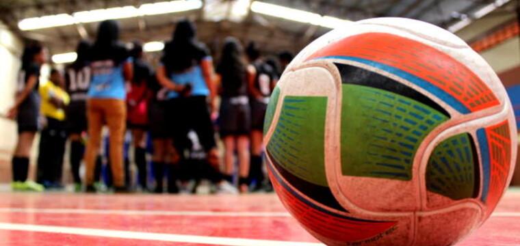 Time de Cachoeiro na fase final da Copa ES de Futsal Feminino