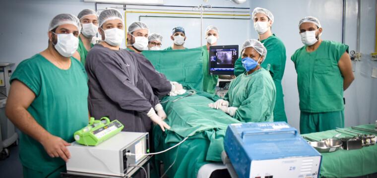 HECI realiza procedimento oncológico inédito no Brasil