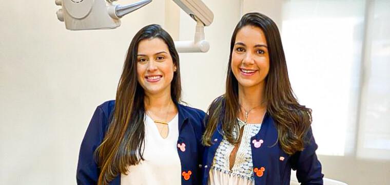 Cirurgiãs-dentistas Gabrielle Rico e Ana Carolina Grafanassi