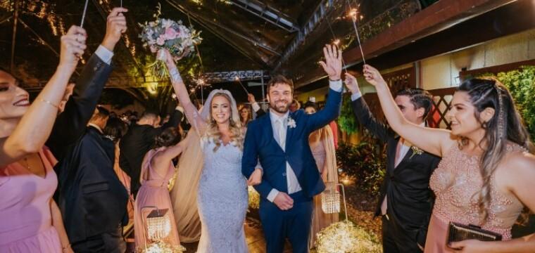 Belíssimos noivos Mirela Louvo e Estevão Bayerl