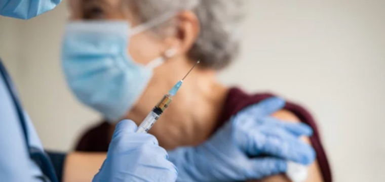Idosos a partir de 60 anos podem tomar 3ª dose de vacina contra a Covid-19