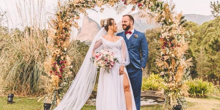 O casamento de Rayane Pereira Paiva e Lucas Marchesi Gróberio