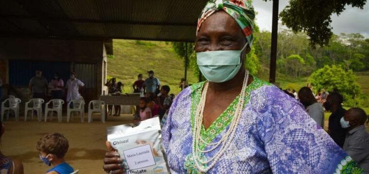 Comunidade quilombola em Cachoeiro recebe ação alusiva ao Outubro Rosa